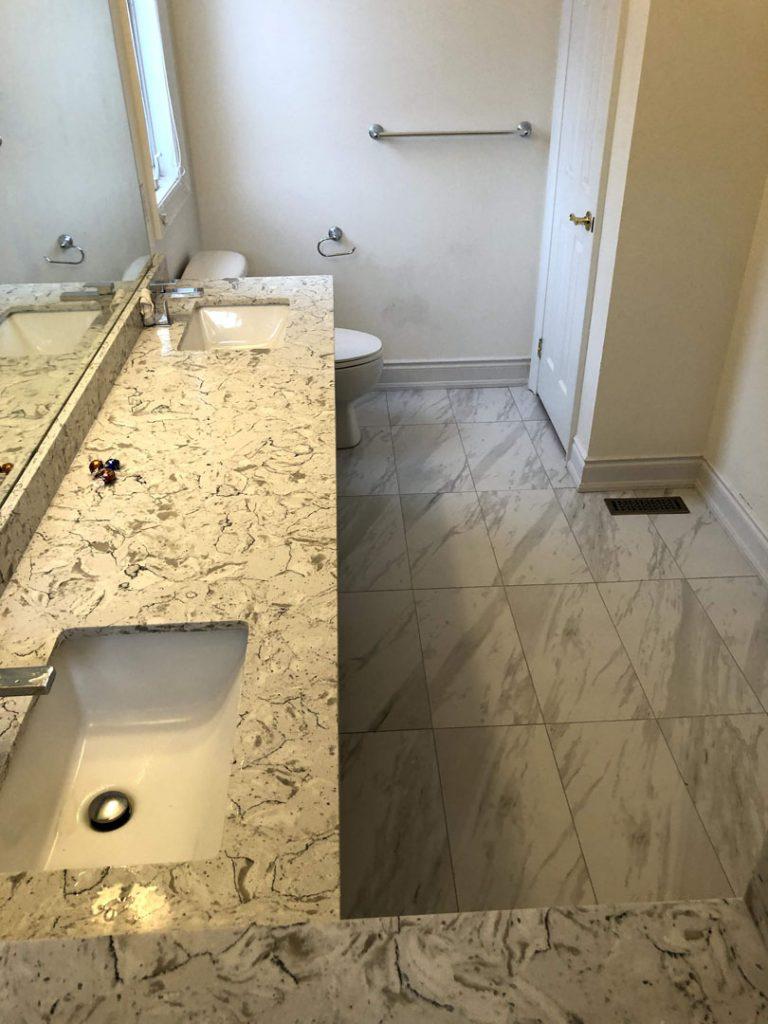 Alex Bungalo bathroom - coffered ceiling
